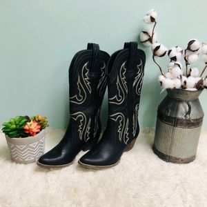 Very Volatile Western Boots: Raspy (PM148)